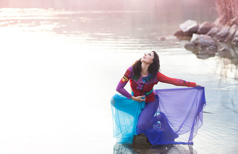 KAHA:WI DANCE THEATRE: MEMORIES OF OUR ANCESTORS, A LIVING TRADITION