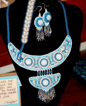 Bracelet, earrings & necklace set.