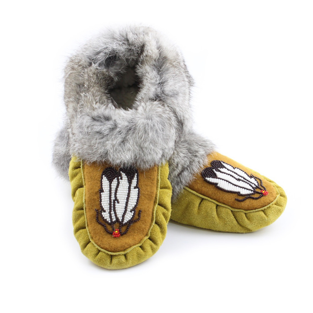Handmade moccasins | Image source: kitigan.com