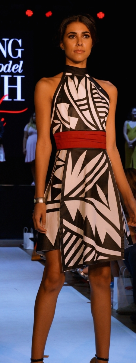ACONAV's award-winning dress at Phoenix Fashion Week's Emerging Designer & Model Launch Party   Photo by Taté Walker.