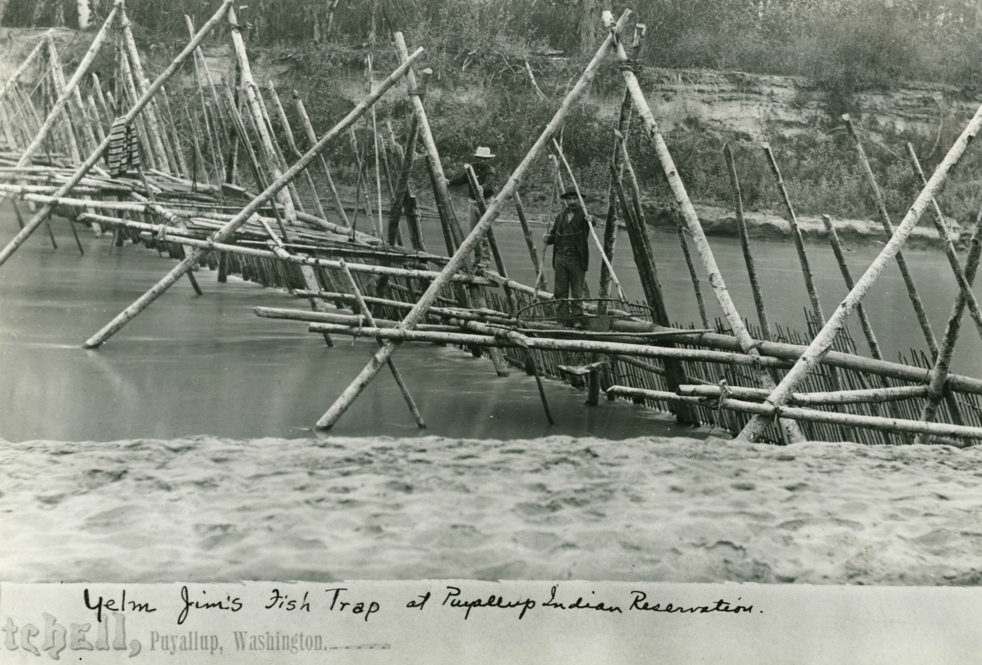 THE SECRETS OF THE MNJIKANING FISH WEIRS