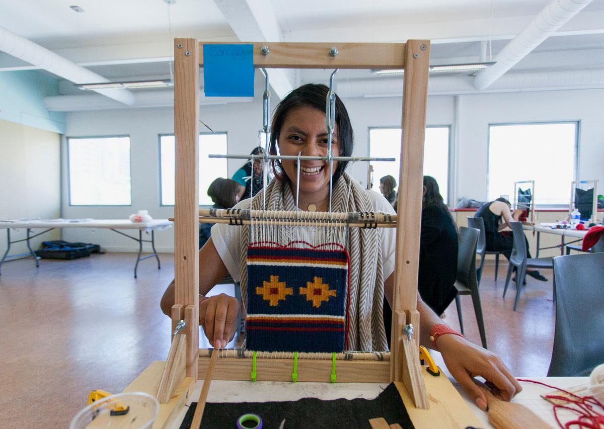 Navajo-Rug-Weaving2