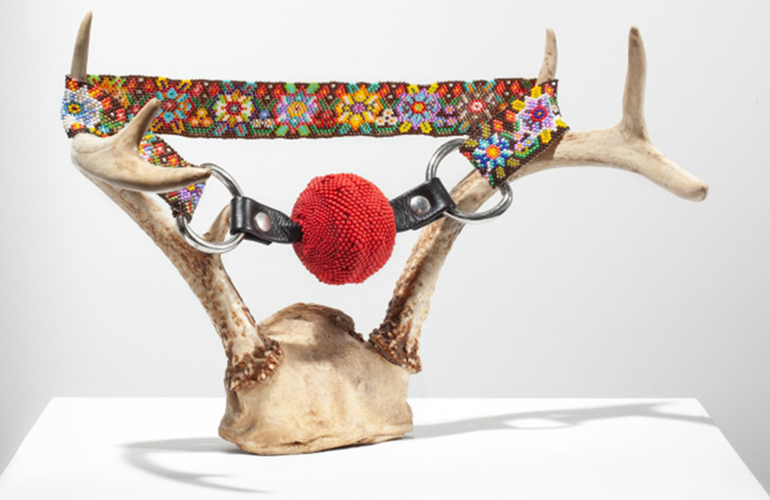 La Guilde presents Beading Now!, a contemporary beading exhibition, from May 16 to July 21, 2019